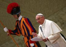 Pope Francis leads his Wednesday general audience in Paul VI hall at the Vatican January 21, 2015. REUTERS/Tony Gentile