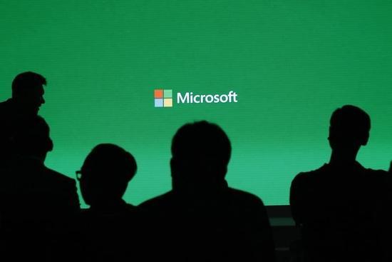マイクロソフトが次期OSを無償提供へ、「ホロレンズ」も発表