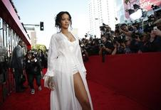 Singer Rihanna arrives at the 2014 MTV Movie Awards in Los Angeles, California  April 13, 2014.  REUTERS/Lucy Nicholson