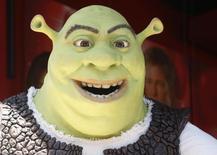"""DreamWorks Animation, propriétaire des franchises """"Shrek"""" et """"Madagascar"""", a l'intention de supprimer 500 emplois dans le cadre d'une restructuration de son activité principale de films d'animation. Le studio hollywoodien ne produira désormais plus que deux films par an, au lieu de trois. /Photo d'archives/REUTERS/Fred Prouser"""