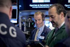 La Bourse de New York a ouvert en légère baisse. Dans les premiers échanges, le Dow Jones perd 0,04%. Le Standard & Poor's 500 recule de 0,06% et le Nasdaq cède 0,06%. /Photo prise le 21 janvier 2015/REUTERS/Brendan McDermid
