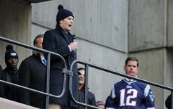 New England Patriots quarterback Tom Brady speaks to fans gathered for a send off rally for the team outside City Hall in Boston, Massachusetts January 26, 2015.   REUTERS/Brian Snyder