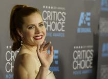 """A atriz Amy Adams, do filme """"Grandes Olhos, chega a um evento em Los Angeles, nos Estados Unidos. 15/01/2015 REUTERS/Kevork Djansezian"""