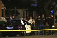 Polícia de Los Angeles em local de atropelamento envolvendo rapper Suge Knight. 29/01/2015 REUTERS/Jonathan Alcorn