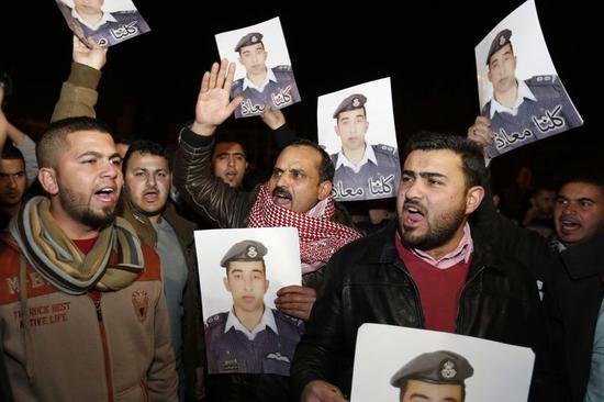 ヨルダン軍、24時間体制でパイロットの情報収集