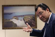 Ministro de Minas e Energia Eduardo Braga concede entrevista à Reuters. 21/01/2015.  REUTERS/Ueslei Marcelino