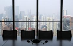 De nouvelles mesures fiscales visant à empêcher l'optimisation fiscale pour les sociétés étrangères sont entrées en vigueur dimanche en Chine. /Photo prise le 20 janvier 2015/REUTERS/Jason Lee