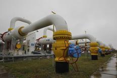 Газокомпрессорная станция в Сумской области. 16 октября 2014 года. Газпром получил от Украины доплату $107,14 миллиона за поставки газа в феврале 2015 года, сообщил концерн во вторник. REUTERS/Valentyn Ogirenko