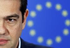 Le Premier ministre grec Alexis Tsipras. Le nouveau gouvernement grec, isolé lors de sa première réunion à haut niveau de la zone euro jeudi, aura l'occasion de défendre ses positions lors d'une réunion exceptionnelle des ministres des Finances de la région mercredi, a-t-on appris de sources de l'Union européenne vendredi. /Photo prise le 4 février 2015/REUTERS/François Lenoir