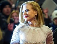 Nicole Kidman no tapete vermelho para Festival de Berlim. 06/02/2015.                           REUTERS/Hannibal Hanschke