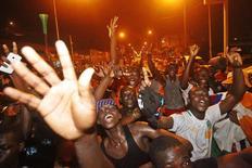 Marfinenses comemoram conquista da Copa Africana de Nações.   REUTERS/Luc Gnago