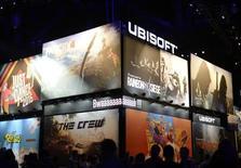 Ubisoft a revu légèrement à la hausse ses objectifs 2014-2015 après avoir annoncé une progression de près de 56% de son chiffre d'affaires au 3e trimestre de son exercice en cours. /Photo prise le 10 juin 2014/REUTERS/Kevork Djansezian
