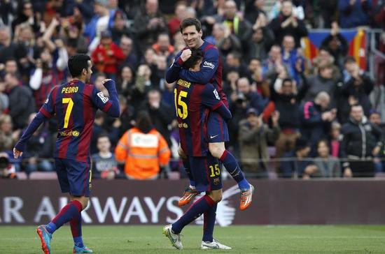 スポーツ=サッカー=バルセロナ大勝、メッシがハットトリック