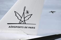 Aéroports de Paris affiche une hausse de 2,1% de son trafic en janvier avec un total de 6,7 millions de passagers accueillis, dont 4,7 millions à Roissy-Charles de Gaulle (+2,5%) et 2,0 millions à Paris-Orly (+1,2%). /Photo d'archives/REUTERS/Charles Platiau
