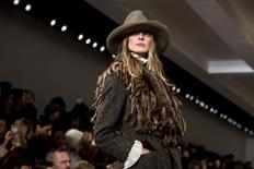 A model presents a creation from the Ralph Lauren Fall/Winter 2015 collection during New York Fashion Week February 19, 2015. REUTERS/Eric Thayer