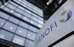 Sanofi pourrait consacrer plus de quatre millions d'euros par an à la rémunération d'Olivier Brandicourt, son prochain directeur général. /Photo prise le 30 octobre 2014/REUTERS/Christian Hartmann