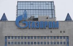 Центральный офис Газпрома в Москве. 24 февраля 2015 года. Российский Газпром продолжает поставлять газ Украине, несмотря на сделанное накануне предупреждение о том, что судьба поставок находится под угрозой из-за противостояния между российским экспортером и Нафтогазом Украины. REUTERS/Maxim Zmeyev