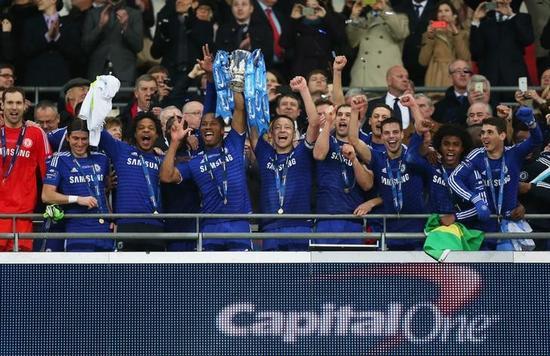 サッカー=チェルシーが英リーグ杯優勝、トットナム下す