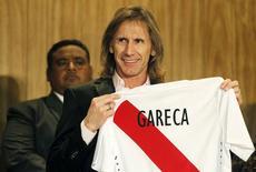 Técnico argentino Ricardo Gareca é apresentado como novo técnico do Peru. 02/03/2015 REUTERS/Enrique Castro-Mendivil