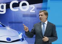 Le Français Didier Leroy, actuel patron de Toyota en Europe, va devenir le premier non-Japonais nommé à l'un des six postes de vice-président exécutif du premier constructeur automobile mondial. /Photo d'archives/REUTERS/Ralph Orlowski