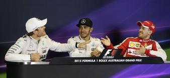 Rosberg, Hamilton e Vettel em entrevista coletiva em Melbourne após GP da Austrália de F1. 15/03/2015 REUTERS/Mark Dadswell