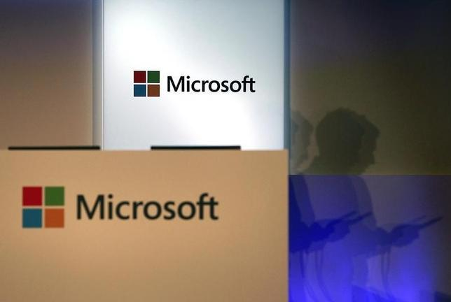 3月18日、米マイクロソフトは、基本ソフト「ウィンドウズ10」を今夏に世界で発売することを明らかにした。台北で昨年6月撮影(2015年 ロイター/PICHI CHUANG)