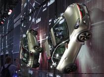 Lors du salon automobile de Moscou, l'été dernier. Opel, la marque européenne de General Motors, se retirera du marché russe d'ici à la fin de l'année. /Photo prise le 27 août 2014/REUTERS/Sergei Karpukhin