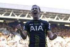 Harry Kane comemora gol pelo Tottenham contra o Queens Park Rangers. 07/03/2015 Action Images via Reuters / Andrew Couldridge