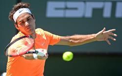 O tenista Roger Federer durante lance da partida contra Tomas Berdych, em Indian Wells, nos Estados Unidos, nesta sexta-feira. 20/03/2015 REUTERS/Jayne Kamin/Oncea