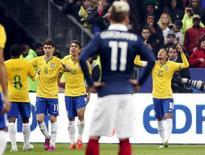Neymar comemora gol marcado na vitória do Brasil contra a França no Stade de France, em Saint-Denis. 26/03/2015 REUTERS/Charles Platiau