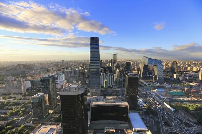 图为夕阳下的北京城。REUTERS/Jason Lee