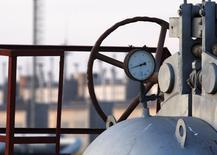 Газонасосная станция в Орловке в Одесской области. 13 января 2009 года. Газпром попросил правительство России продлить скидку на газ, поставляемый на Украину, на три месяца, сказал глава российского экспортера Алексей Миллер, выступая по гостелеканалу Россия 24. REUTERS/ Gleb Garanich