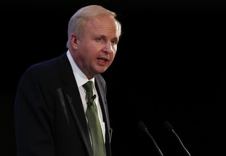 Bob Dudley, Group Chief Executive of BP, gives a keynote address at the Oil & Money conference in central London, October 29, 2014. REUTERS/Andrew Winning