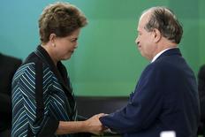 Presidente Dilma Rousseff na posse do novo ministro da Educação, Renato Janine Ribeiro, no Palácio do Planalto. 06.04.2015 REUTERS/Ueslei Marcelino