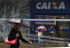 Agência da Caixa Econômica Federal no centro do Rio de Janeiro. REUTERS/Pilar Olivares