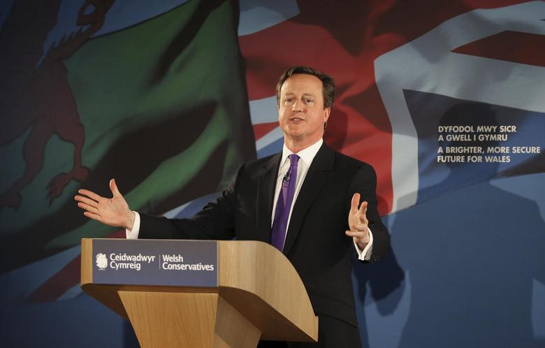 Britain's Prime Minister David Cameron launches the Conservative Welsh manifesto near Builth Wells, Wales April 17, 2015. REUTERS/Peter Macdiarmid/POOL