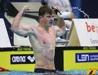 O nadador britânico Adam Peaty durante campeonato europeu de natação em Berlim, na Alemanha, em agosto do ano passado. 22/08/2014 REUTERS/Michael Dalder