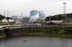 4月22日、鹿児島県の住民らが九州電力川内原発1、2号再稼働の差し止めを求めた仮処分で、鹿児島地裁は22日、申し立てを退ける判断を示した。鹿児島県で昨年4月撮影(2015年 ロイター/Mari Saito)