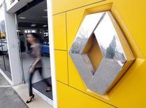 L'Etat a porté sa participation dans le capital de Renault à 19,74%, soit la part qu'il avait annoncé vouloir au maximum détenir. /Photo d'archives/REUTERS/Jean-Paul Pélissier