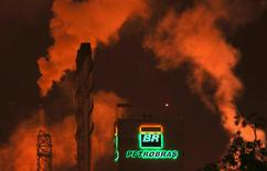 The Petrobras logo is seen in a refinery in Cubatao near Sao Paulo in this February 24, 2015 file photo. REUTERS/Paulo Whitaker/File