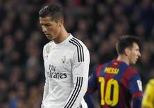 Cristiano Ronaldo e Lionel Messi durante partida entre Real Madrid e Barcelona na Liga Espanhola.   22/03/2015    REUTERS/Paul Hanna