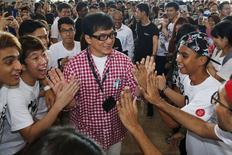 Jackie Chan em evento com jovens de Cingapura. 07/05/2015 REUTERS/Edgar Su