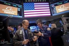 Alibaba est une des valeurs à suivre vendredi à Wall Street où le titre avance fortement après un relèvement de recommandation de Goldman Sachs. Le géant chinois du commerce en ligne discuterait par ailleurs d'une prise de participation de 20% dans le fabricant indien de téléphones Micromax Informatics. /REUTERS/Brendan McDermid