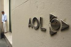 AOL a publié vendredi un chiffre d'affaires du premier trimestre dépassant les attentes des analystes avec le succès de sa plate-forme d'enchères en temps réel pour le placement de publicités par les annonceurs.  /Photo d'archives/REUTERS/Lucas Jackson