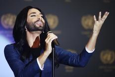 Conchita Wurst se apresenta na ONU, em Viena. 3/11/2014 REUTERS/Heinz-Peter Bader