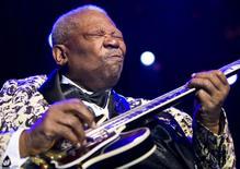 Lenda do blues B.B. King durante o Festival de Jazz de Montreux, em foto de arquivo. 12/06/2009  REUTERS/Valentin Flauraud
