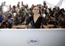 "Director and actress Natalie Portman poses during a photocall for the film ""A Tale of Love and Darkness"" out of competition at the 68th Cannes Film Festival in Cannes, southern France, May 17, 2015. REUTERS/Eric Gaillard"