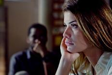"""Atores Lázaro Ramos e Alinne Moraes em cena do filme """"O Vendedor de Passados"""". 20/05/2015 REUTERS/Divulgação"""