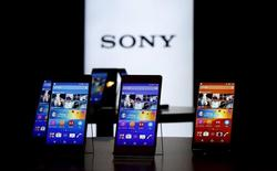 Sony's new Xperia Z4 smartphones are displayed at the company headquarters in Tokyo April 20, 2015. REUTERS/Toru Hanai