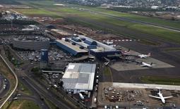 Aeroporto Salgado Filho, em Porto Alegre, que deve ser incluído no pacote de concessões do governo.       30/01/2014      REUTERS/Edison Vara